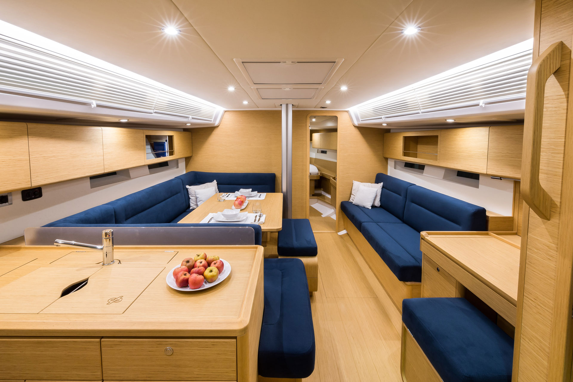 Grand_Soleil-Performance-47-California_Yacht_Imports-interior-1