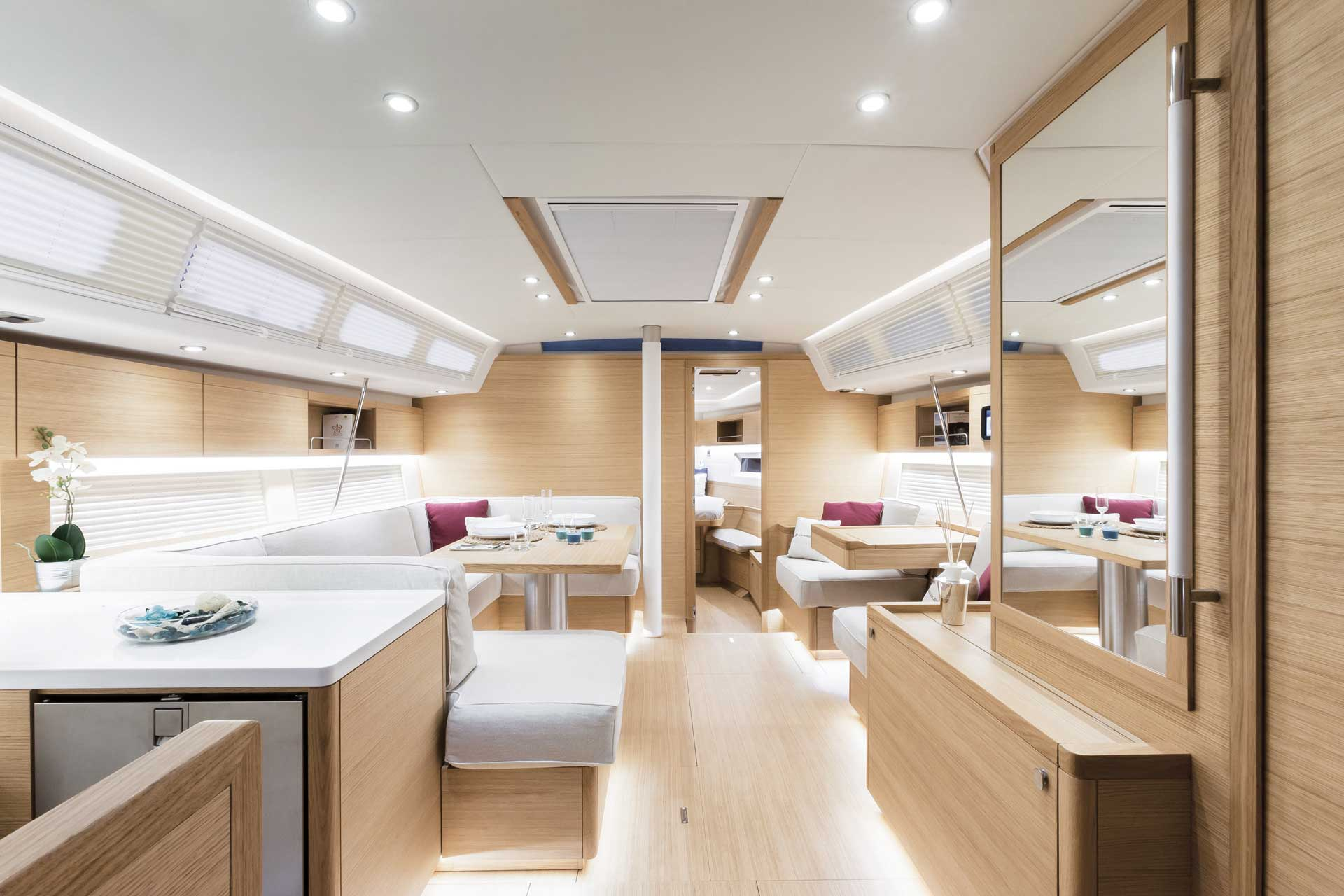 Grand_Soleil-Long_Cruise_46-California_Yacht_Imports-interior-4