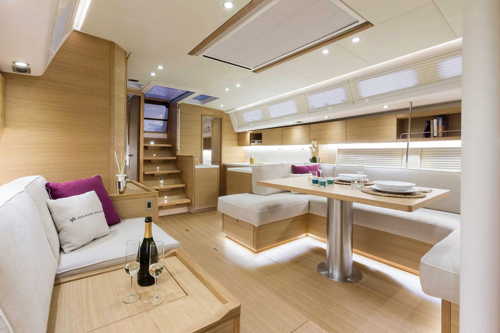 Grand_Soleil-Long_Cruise_46-California_Yacht_Imports-interior-lc462