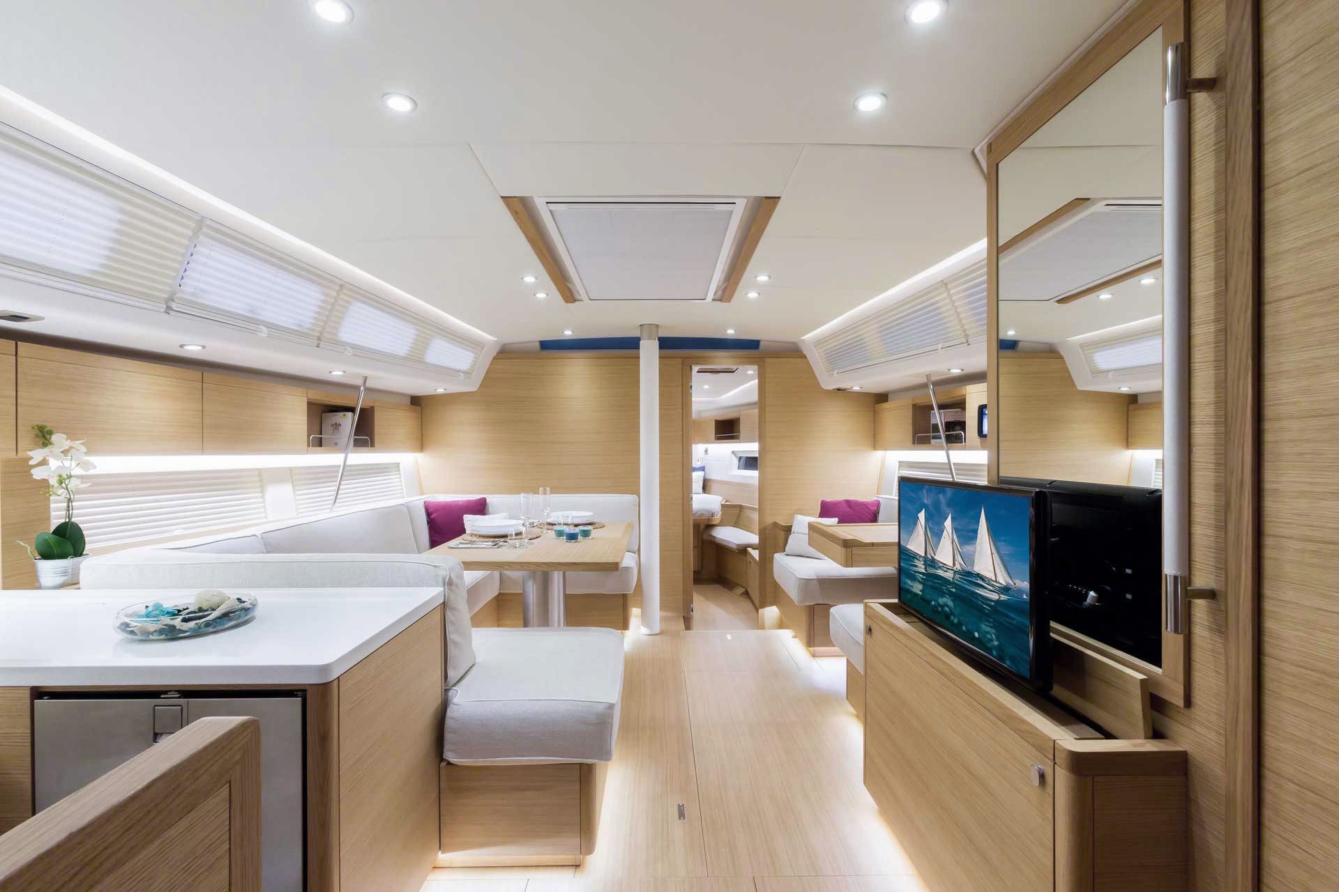 Grand_Soleil-Long_Cruise_46-California_Yacht_Imports-interior-lc466