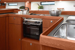 csm_bavaria-sy-cruiserline-c51-interieur-c51_int_pantry_3_ea58006954
