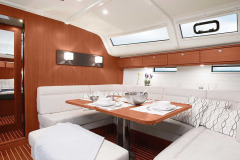 csm_bavaria-sy-cruiserline-c51-interieur-c51_int_salon_2_f0d243989d