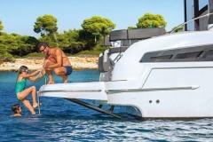 bavaria-mb-sline-s40-exterieur-s40_ext_lifestyle_bathing_platform
